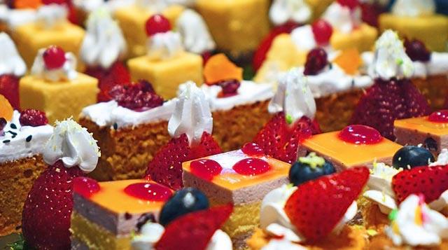 Rafinisani šećer u slatkišima kao što su kolači